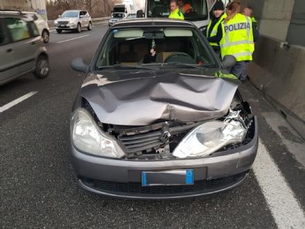 ORBASSANO - Carambola di auto in tangenziale: 7 veicoli coinvolti e traffico in tilt