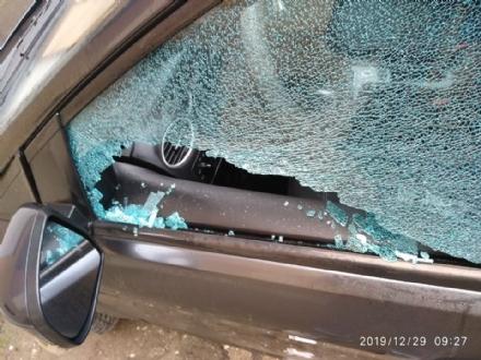 NICHELINO - Chiavi di casa lasciate in auto e rubate per svaligiare appartamenti: tornano in azione i ladri