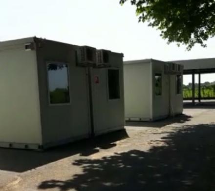 ESCLUSIVO - Le immagini allinterno dei container del nuovo campo nomadi di Moncalieri