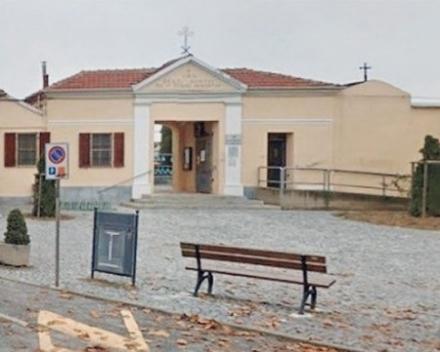ORBASSANO - Vandali al cimitero: strappate piantine donate ai defunti