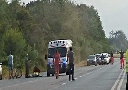 RIVALTA - Scontro tra un ciclista e unauto sulla provinciale 6 nel tratto di Tetti Francesi