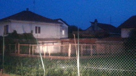 MONCALIERI - Il pollaio era abusivo: chiuso dai tecnici comunali