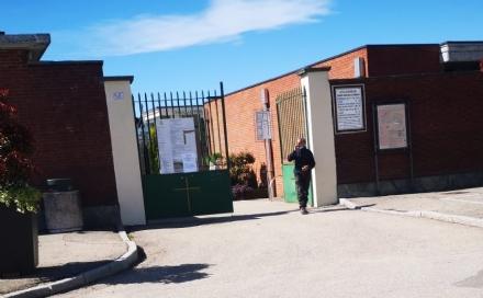 NICHELINO - Prova di forza del sindaco: riaperto il cimitero di via Pateri