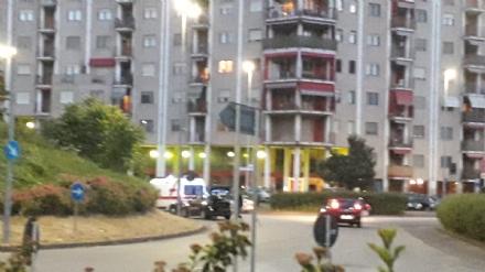 NICHELINO - Pirata della strada investe una donna e scappa: caccia dei carabinieri