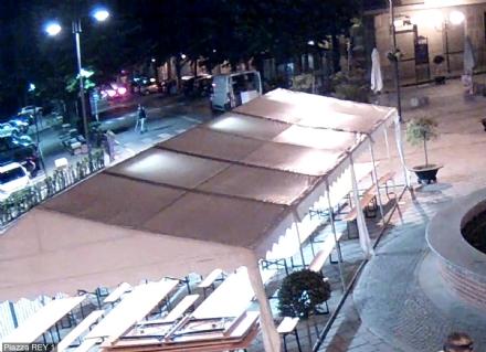 VINOVO - Spedizione punitiva per vendicare laffronto al nipote: denunciato dai carabinieri