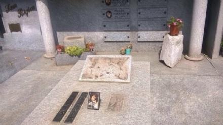 CANDIOLO - Ladri senza vergogna rubano una statua e un libro di ricordi al cimitero