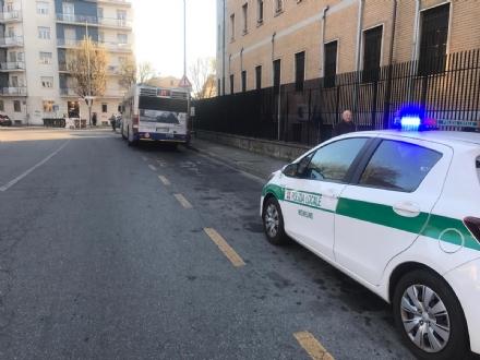 NICHELINO - Investito uno studente in via Trento
