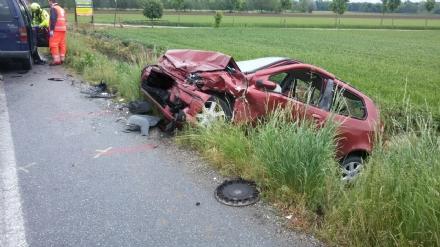 ORBASSANO - Un altro incidente sulla strada della morte tra Stupinigi e Orbassano