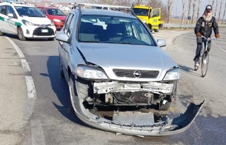NICHELINO - Incidente alla rotonda di Stupinigi: due feriti