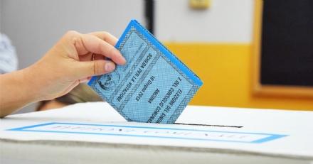 ELEZIONI - Terminate le operazioni di voto. A Moncalieri alle urne il 62,28% degli aventi diritto