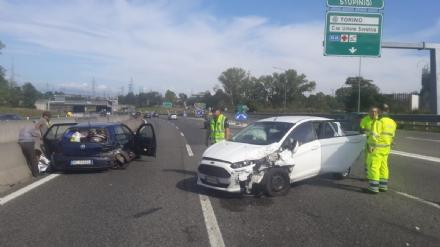 TANGENZIALE - Doppio incidente nellarco di pochi minuti: sette persone finiscono in ospedale