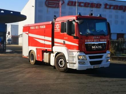 ORBASSANO - Gabbiotto in fiamme alla Arcese: dipendenti in strada