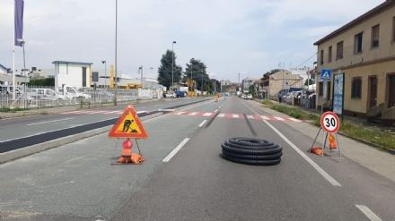 BEINASCO - Tranciato un tubo del gas: chiusa strada Orbassano. Evacuati residenti e lavoratori