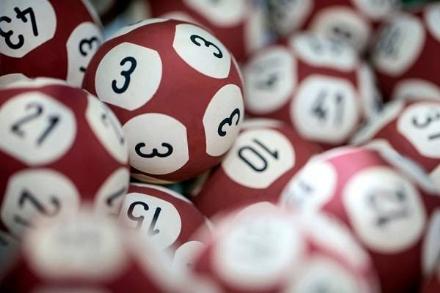 MONCALIERI - Gioca 27 euro e ne vince 50 mila con il «10eLotto»