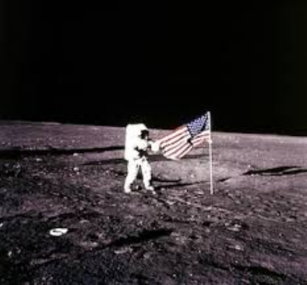 MONCALIERI - Il fascino della Luna al 45 esimo Nord per lanniversario dellimpresa di Armstrong
