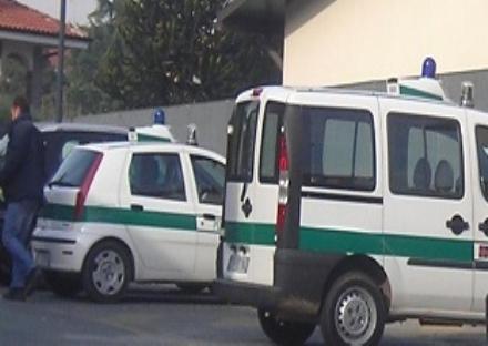RIVALTA - Ubriaco alla guida travolge pedone e scappa, lo ferma un motociclista