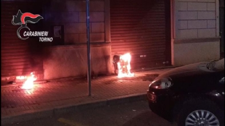 NICHELINO - Voleva il monopolio della vendita di frutta e verdura durante il lockdown e ha incendiato il negozio del rivale