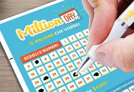 """MONCALIERI - Gioca un euro a """"Millionday"""" e vince un milione"""