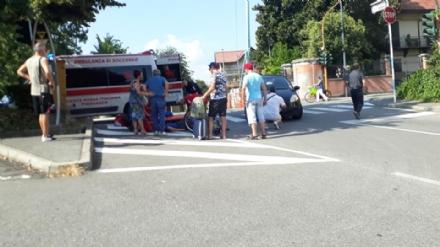 PIOSSASCO - Paura per un 12 enne colpito da unauto mentre era in bici