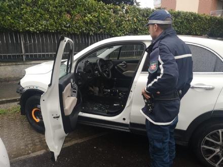 NICHELINO - Ladri dauto cannibalizzano una Fiat 500X: ritrovata dai civich