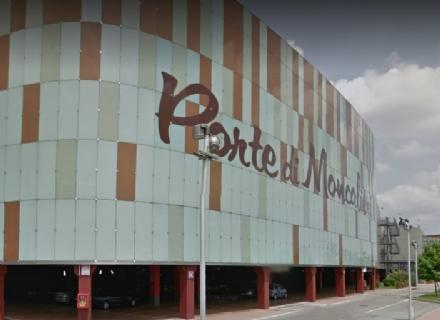 MONCALIERI - Paura  al centro commerciale