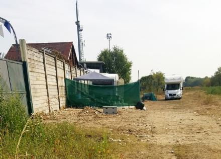 RIVALTA - Sgomberato il terreno sulla collina: la famiglia Rom si è trasferita in via Piossasco