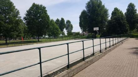 CARMAGNOLA - La pista per il pattinaggio cade a pezzi e lassociazione Torivoli se ne va a Nichelino