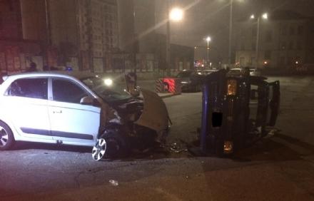 MONCALIERI - Incidente nella notte in corso Roma: cinque feriti