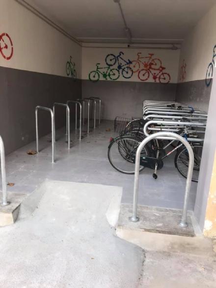 CARMAGNOLA - Aperto il parcheggio per le biciclette in stazione. Sarà videosorvegliato
