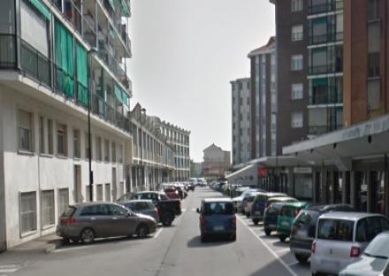 BEINASCO - I cittadini di Fornaci protestano per i pochi parcheggi in via San Giacomo