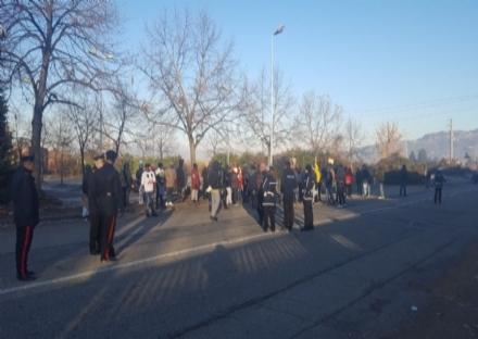 MONCALIERI - Nuova protesta dei rifugiati del Meditur per la mancanza di documenti