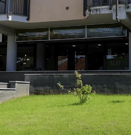 TROFARELLO - Ancora una spaccata alle agenzie di scommesse: colpita la Match Point
