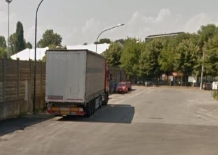 BEINASCO - Ancora tir nel mirino dei ladri: forzati camion in via Spinelli