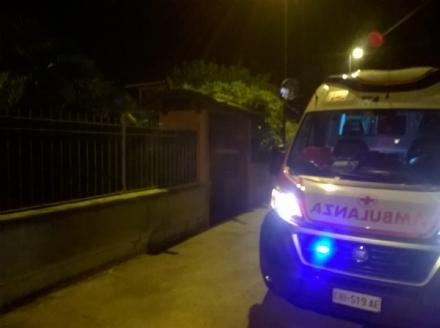 CARMAGNOLA - Salva la casa dallincendio e si ustiona mani e piedi