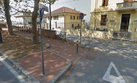 MONCALIERI - Scarpata instabile di fronte al Castello: via ai lavori di consolidamento.