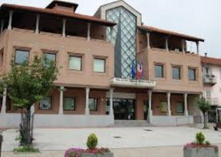 BEINASCO - Palazzo civico denuncia il Comune di Rivalta: «Ci devono 50mila euro».