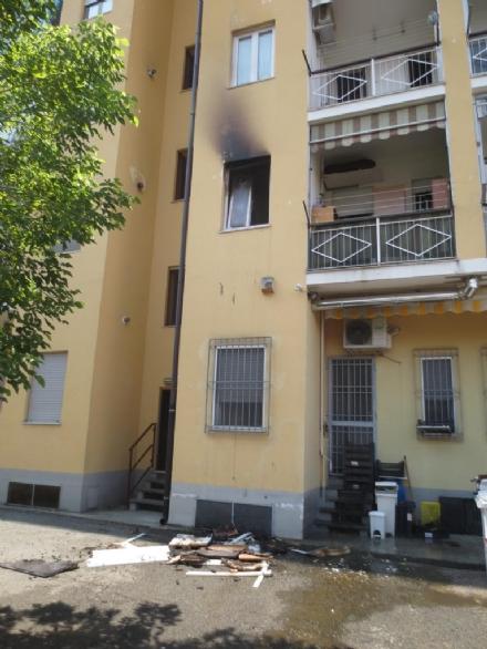 ORBASSANO - Paura in strada Volvera per un incendio in un appartamento