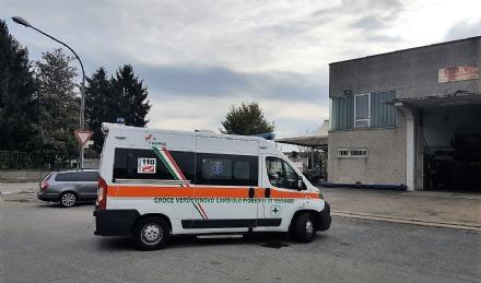 VINOVO - Cade dalla scala e sbatte la testa: meccanico nichelinese ricoverato al Cto