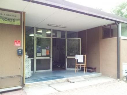 PIOSSASCO - Poche nascite in città, la scuola Gobetti potrebbe non essere ricostruita