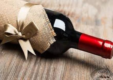 MONCALIERI - Nuovo caso di truffa del vino: raggirata pensionata