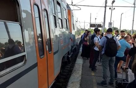 TORINO SUD - Il disastro sulla ferrovia Sfm1 di Gtt continua ma per i pendolari non è previsto alcun rimborso