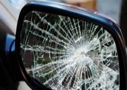 CANDIOLO - Tornano i tentativi di truffa dello specchietto, una donna sporge denuncia