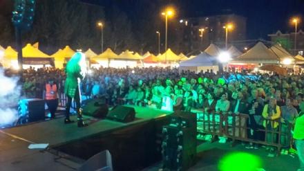 NICHELINO - Folla al concerto di Ivana Spagna per San Matteo - LE FOTO -