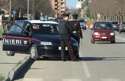 MONCALIERI - Il pusher della marijuana arrivava con il taxi: arrestato dai carabinieri un ragazzo di 25 anni