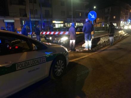 NICHELINO - Auto incastrate nel passaggio a livello: traffico nel caos in via Torino
