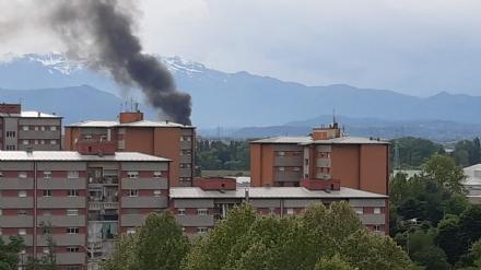 NICHELINO - A fuoco cassonetti dellimmondizia al confine con Borgaretto