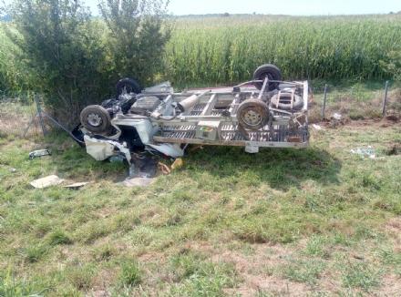 AUTOSTRADA TORINO-SAVONA - Perde il controllo del camion che si ribalta nella scarpata: 51enne ferito