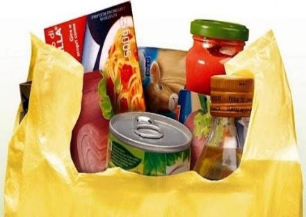 CARMAGNOLA - Da lunedì 6 parte la distribuzione dei pacchi alimentari