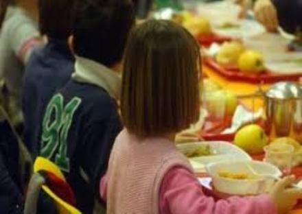 MONCALIERI - Problemi di spazio alla scuola Nino Costa per chi sceglie il pasto domestico