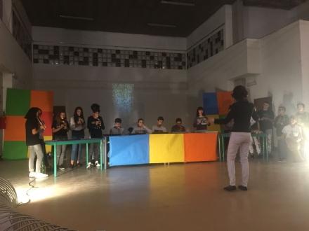 BEINASCO - Classi senza aula: la scuola come un laboratorio permanente di ricerca